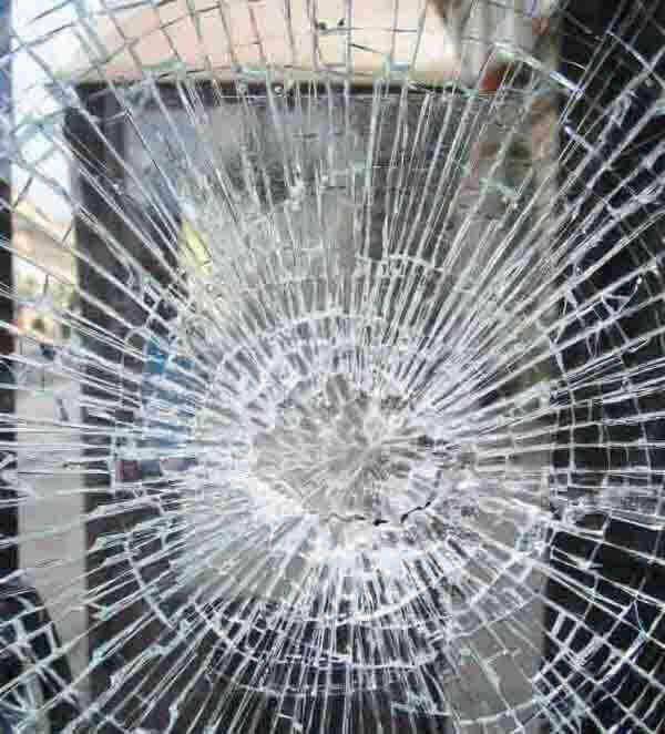 Kính dán an toàn là gì ? Tìm hiểu về kính dán an toàn