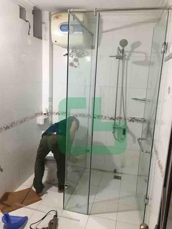 phòng tắm kính tại Hà Đông