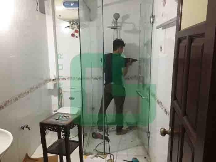 vách tắm kính tại Ứng Hòa