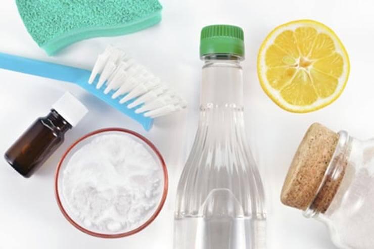 Cách tẩy vết ố trên kính nhà tắm nhanh và hiệu quả