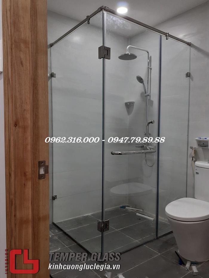 Thi công phòng tắm kính Quận Tân Phú