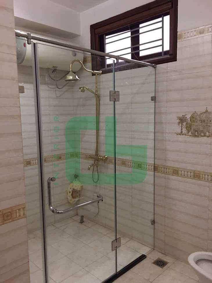 Tại sao nên lựa chọn vách tắm kính trong suốt cho nhà tắm