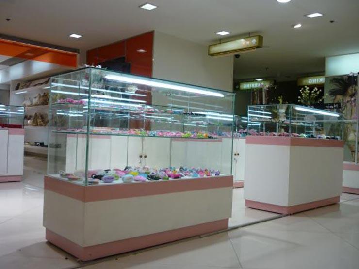 tủ kính trưng bày 1