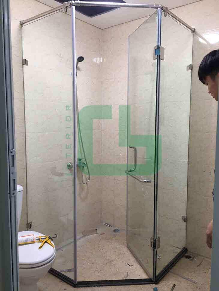 lắp đặt vách kính tắm
