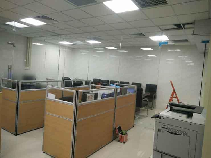 Cửa kính cường lực tại quận Hoàng Mai
