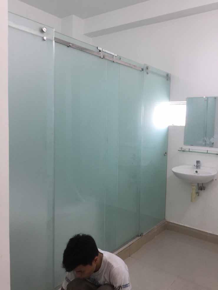 Mẫu cửa kính cường lực đẹp giá rẻ phòng tắm