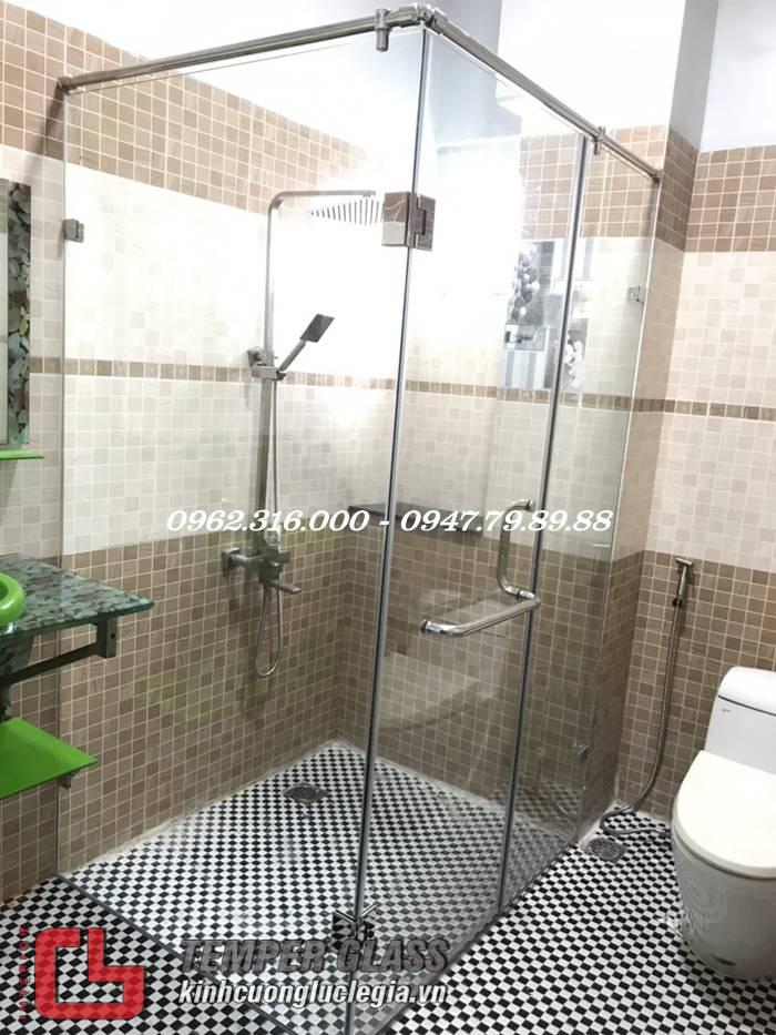 Thi công phòng tắm kính quận 4 HCM