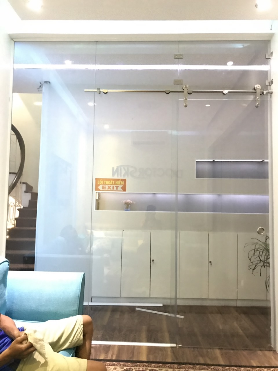 cửa kính cường lực tại Hải Phòng