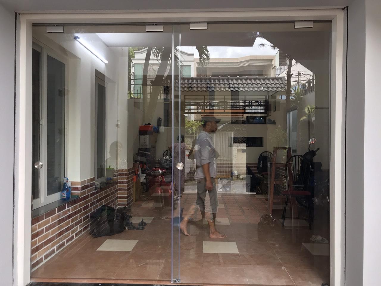 cửa kính cường lực tại Ninh Bình