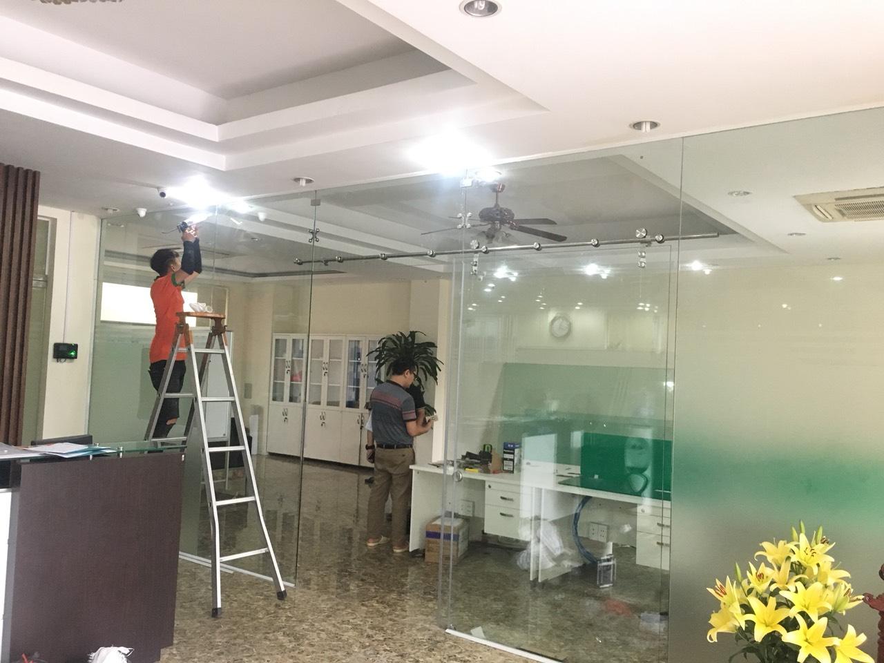 cửa kính cường lực tại Thái Bình